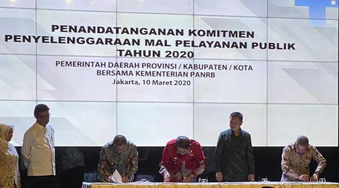 Penandatanganan komitmen ini dilakukan bersama Gubernur Sulsel, Prof HM Nurdin Abdullah, yang disaksikan Menteri Pendayagunaan Aparatur Negara dan Reformasi Birokrasi (PAN RB) Tjahjo Kumolo, di Kantor Kementerian PANRB, Jakarta, Selasa, 10 Maret 2020 kemarin.
