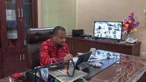 Gubernur Sulsel Nurdin Abdullah dan Wakil Gubernur Sulsel Andi Sudirman Sulaiman rapat bersama Bupati dan Wali Kota dengan Video Confrence, Kamis 26 Maret 2020