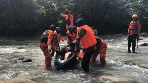 Tim Basarnas Pos SAR Bone diterjunkan melakukan pencarian bersama Tim SAR Gabungan. Berhasil menemukan korban tenggelam pada Sabtu 18 April 2020 dalam keadaan meninggal