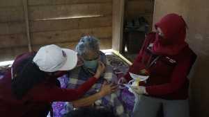 Balai Rehabilitasi Sosial Lanjut Usia (BRSLU) Gau Mabaji di Gowa menggelar aksi sosial melindungi lansia dari Covid-19 di Lembaga Kesejahteraan Sosial (LKS) Makita Walie