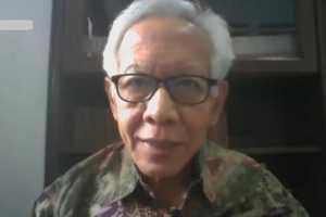 Apollinaris Darmawan