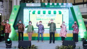 Grab dan Kalla Group Luncurkan 'UMKM Hunt x #TerusUsaha', Bantu Ratusan UMKM Makassar Masuk dalam Ekonomi Digital