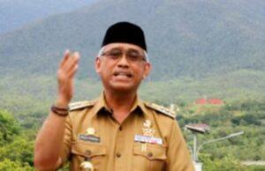 Almarhum Bupati Luwu Timur Thoriq Husler/Syarief
