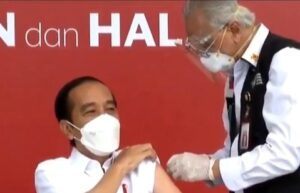 Tangan dokter gemetar